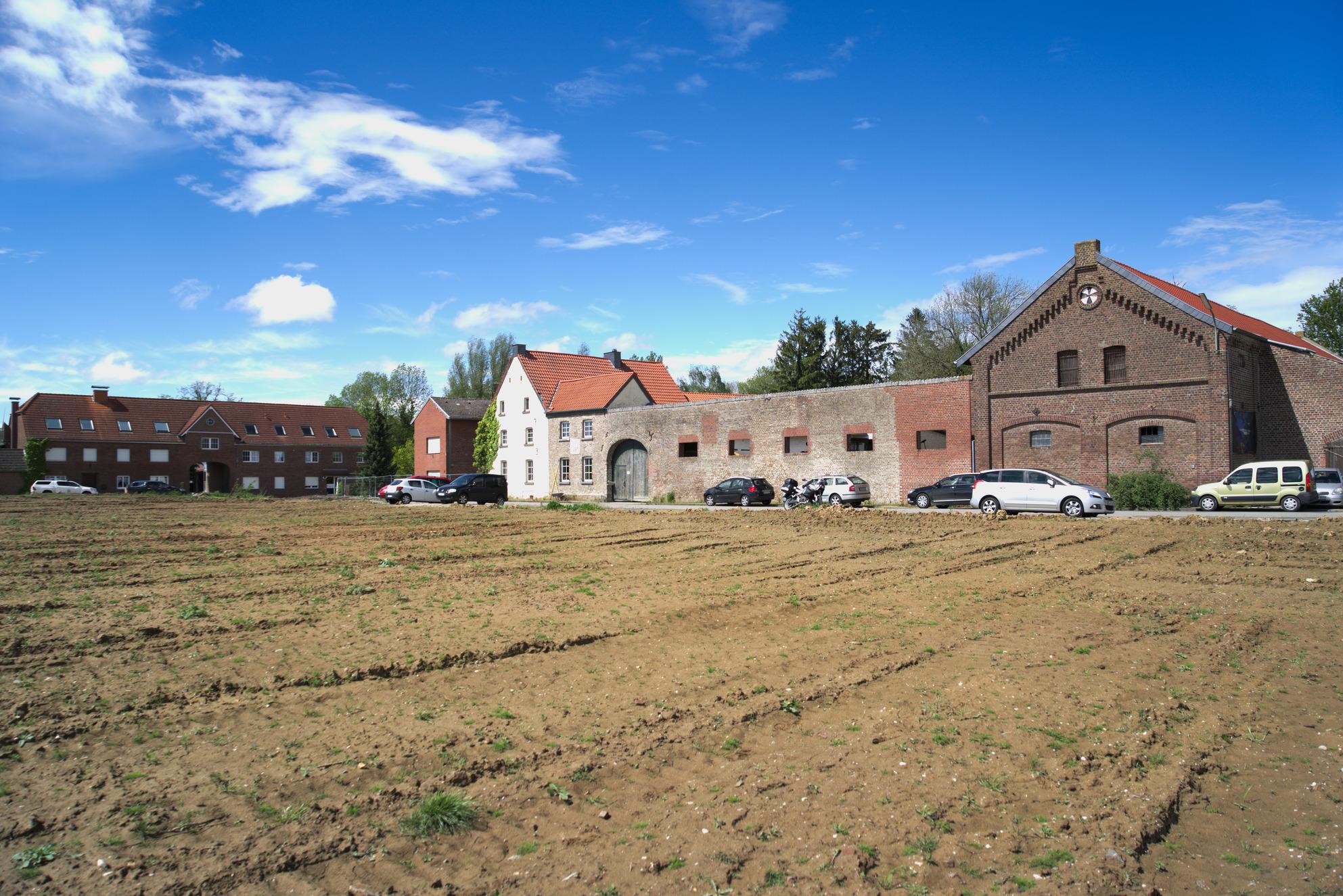 Denkmalgeschützter aber wegen Braunkohle enteignungs- und abrissbedrohter Hof in Lützerath.